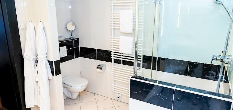 Voorbeeld van een badkamer in een kaisersuite