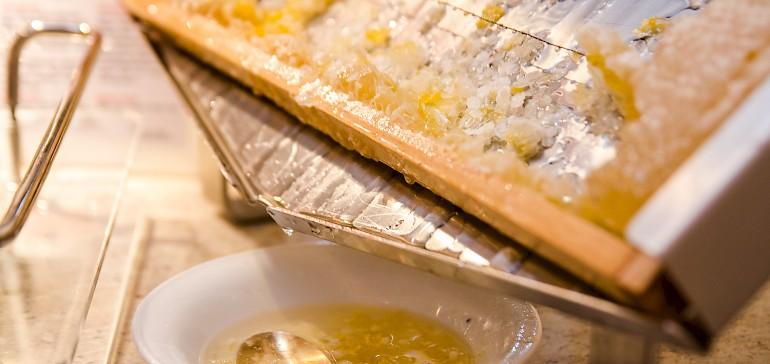 Honing direct van de honingraat, verser kan het niet