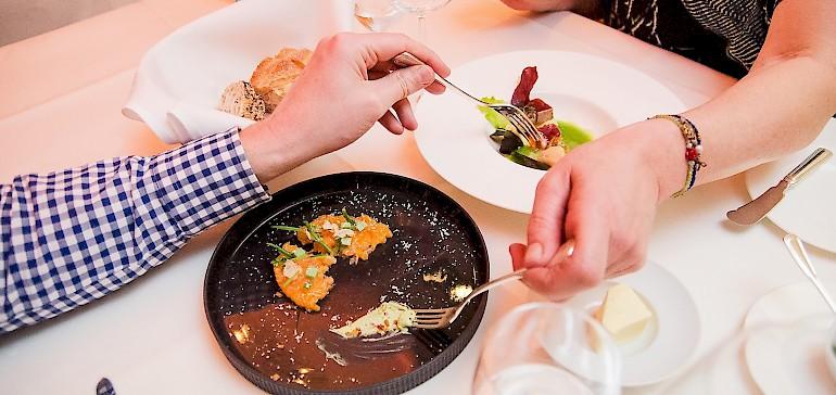 Samen een drie-gangen menu genieten in het restaurant Gabriels