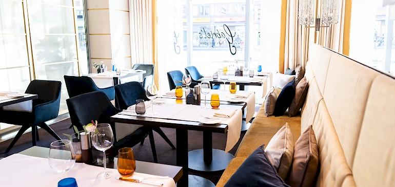Het restaurant Gabriels met uitzicht op het stadsleven